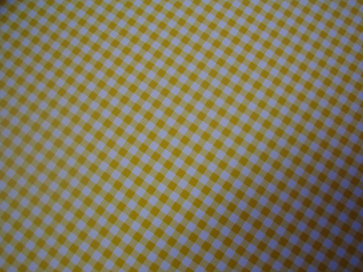 Nezbytné maličkosti :-) - a kostičkovaný - taky žlutý z druhé strany... :-)