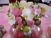 Kytice byla úžasná - dopoledne vyniky orchideje.....