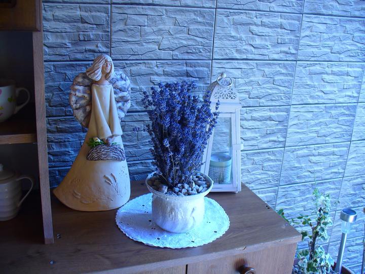 Moje dekorky - moje radosti - anjelika som premiestnila na terasu