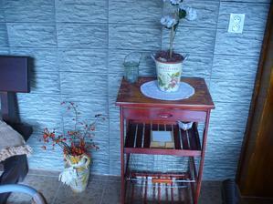 môj vynovený stolík