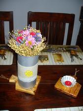 kytička na stole, spravila som jej vázičku