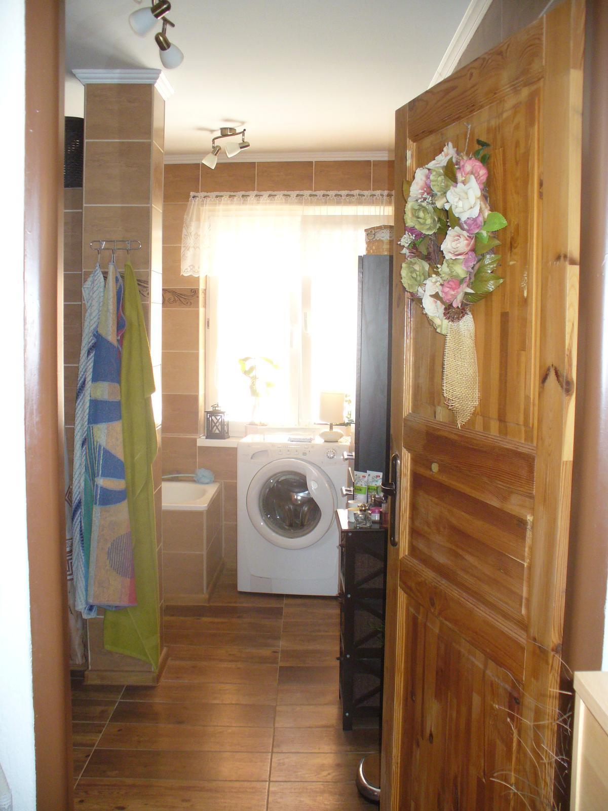 Naša kúpeľňa. - poobedné slniečko