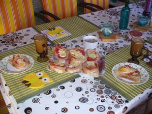 dnes raňajky na terase