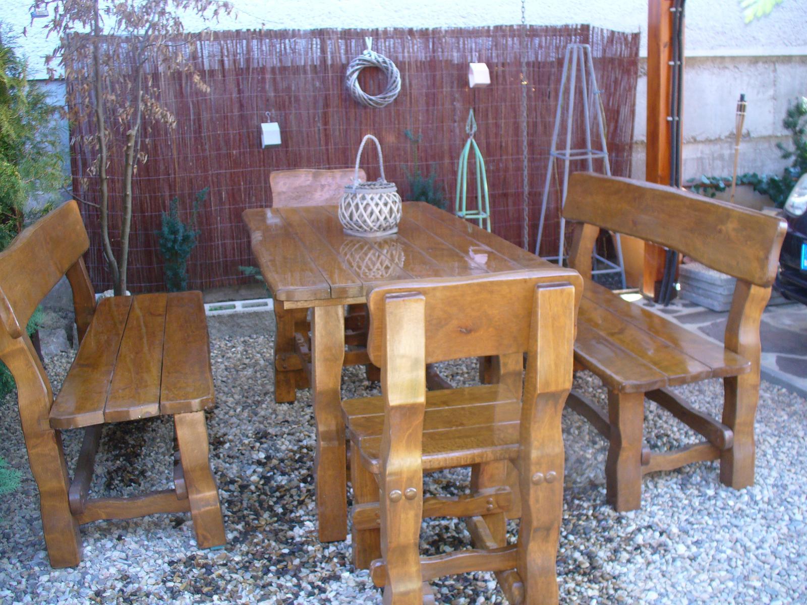 Prerábka, sadenie a úpravy v našej mini záhradke. - sedenie