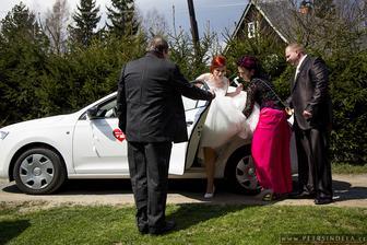 Grandiózní příjezd nevěsty :D