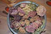 Sušené květy růží,