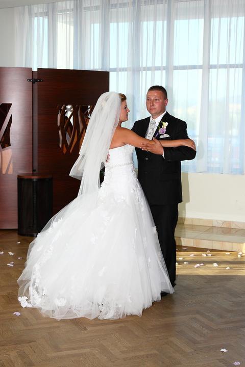 Katarína Siklenková{{_AND_}}Marián Labai - náš prvý manželský tanec