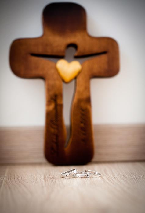 Dominika{{_AND_}}Lukáš - krížik vyrobený na zákazku za 3 dni