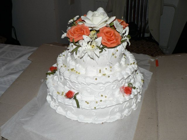 Martinka a Martinko - svadobna torta c.1 od mojej maminky