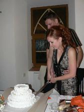 """krajanie torty po """"odstrojeni"""""""
