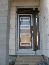 dvere zvonku - pravý a vrchný svetlík