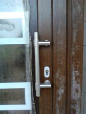 detail madla (a špinavých dverí) :D