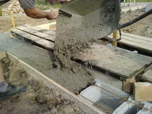 zalievanie betónom