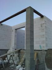 a dokončený stĺp