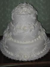 ...takto bude vyzerat nasa svadobna torta , akurat ze ruze budu modre...dakujem milacik!