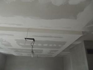 zniženy strop - ešte nedokončený