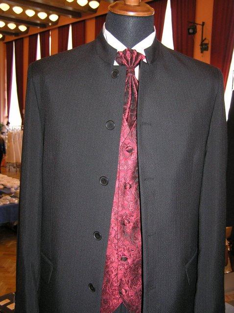 Hanka 7.7.2007 - něco pro pány, tenhle oblek můj miláčekuž skoušel- super, ale né na svatbu, chci ho mít ve světlém :-)