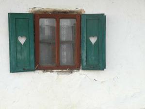 staré okno plné lásky....