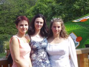 Nevěsta,sestřenka Dita a kamarádka Hanka:-)