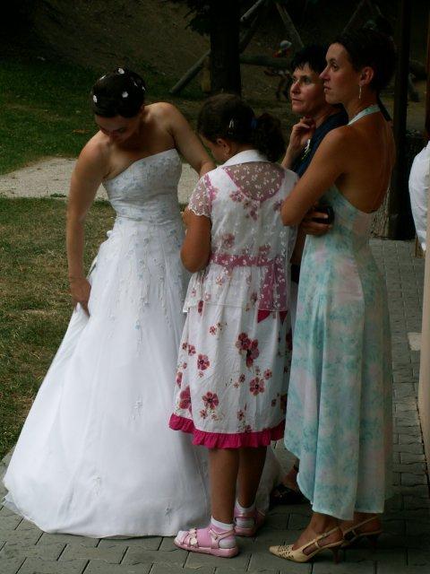 Pali Veselá{{_AND_}}Honza Bortel - A to jsme my.. 4 ženské ze Zábřežku! :o)