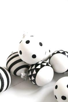 White,black, red christmas..... - Obrázok č. 74