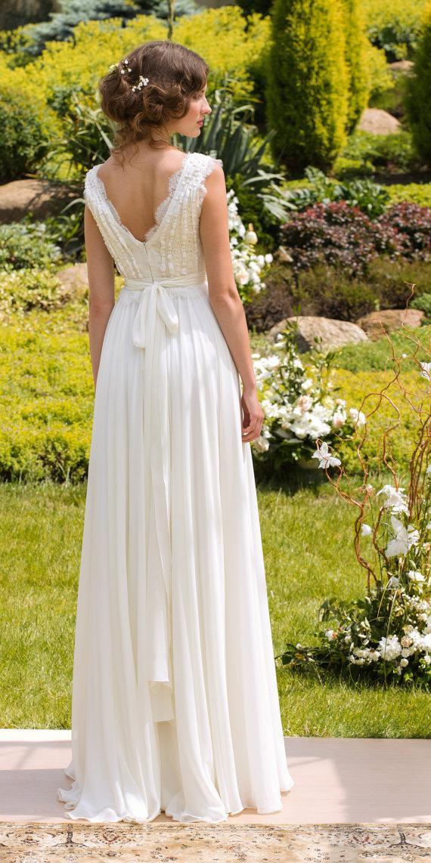 a030a8b73ec8 Kde nájdem takéto jednoduché svadobné šaty  - - S...