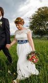 Svadobné šaty s kruhovou sukňou a holým chrbátom, 38