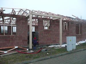 po 6 týdnech obstrukcí konečně střecha