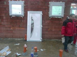 dveře před zabudováním