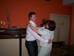 ...taneček Toma a jeho maminky ...