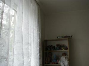 pohled k oknu