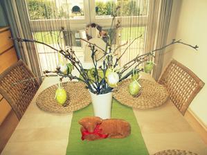 Velikonoce ráda nemám,takže toť veškeré velikonoční ladění u nás,beránek jen dostane zelenou mašličku,musím ji koupit :-)