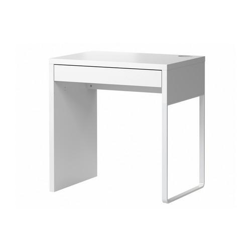 Ráda bych si udělala v obýváku koutek na notebook,uvažuju o tomto stolku
