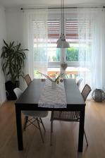 výměna stolu...aneb jak dědeček měnil ,až vyměnil...chtěla jsem změnu barvy,z břízy na tmavou...bohužel jsem omylem sehnala stůl o 40cm větší ...:-(