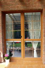Klinker cihličky  u teras. okna  pod pergolou