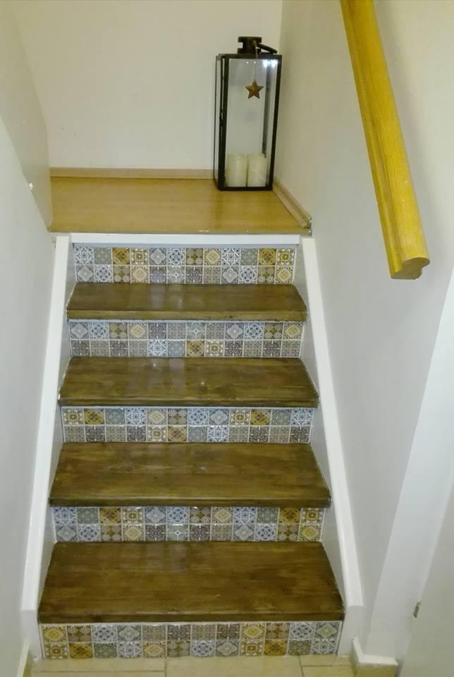 Výzva 2018 schodiště - , madlo budu taky brousit a ještě nás čeká nová podlaha na podestě plus bílé lišty