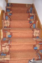 první provizorium po koupi domu-koberec