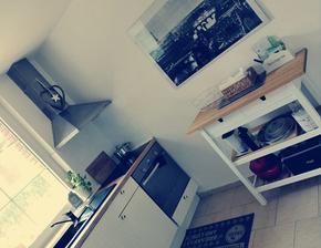 o dovolené nezahálím a natřela jsem si kuch. odkládací stolek