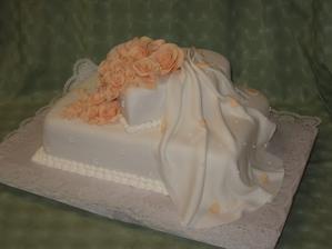 Naša svadobná tortička bude určite táto