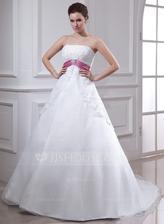 Svadobné šaty z predu