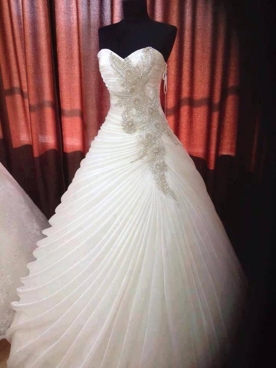 Svadobné šatičky - FB