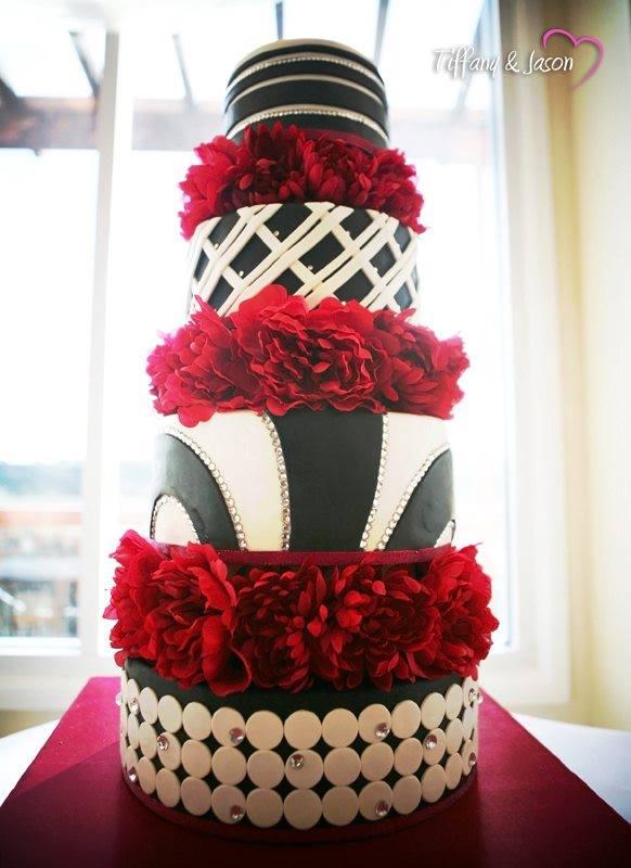 Exkluzívne svadobné torty - Obrázok č. 24
