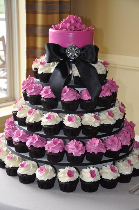 Exkluzívne svadobné torty - Obrázok č. 35