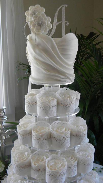 Exkluzívne svadobné torty - Obrázok č. 36