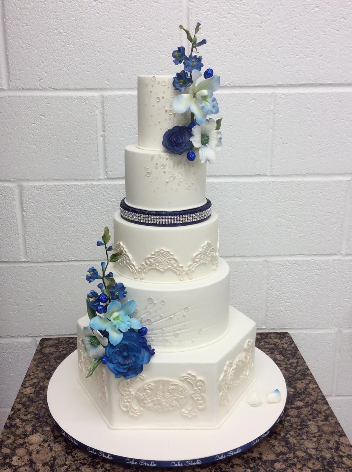 Exkluzívne svadobné torty - Obrázok č. 86