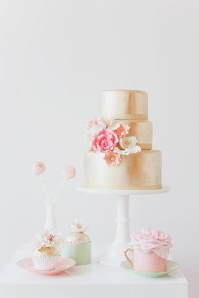 Exkluzívne svadobné torty - Obrázok č. 222