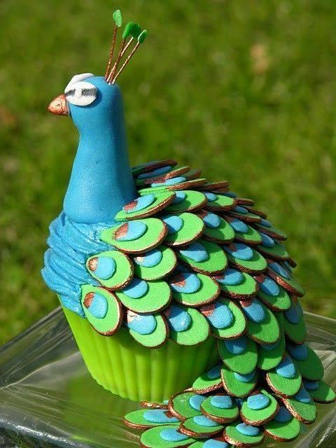 Inšpirácia-páv - cupcake