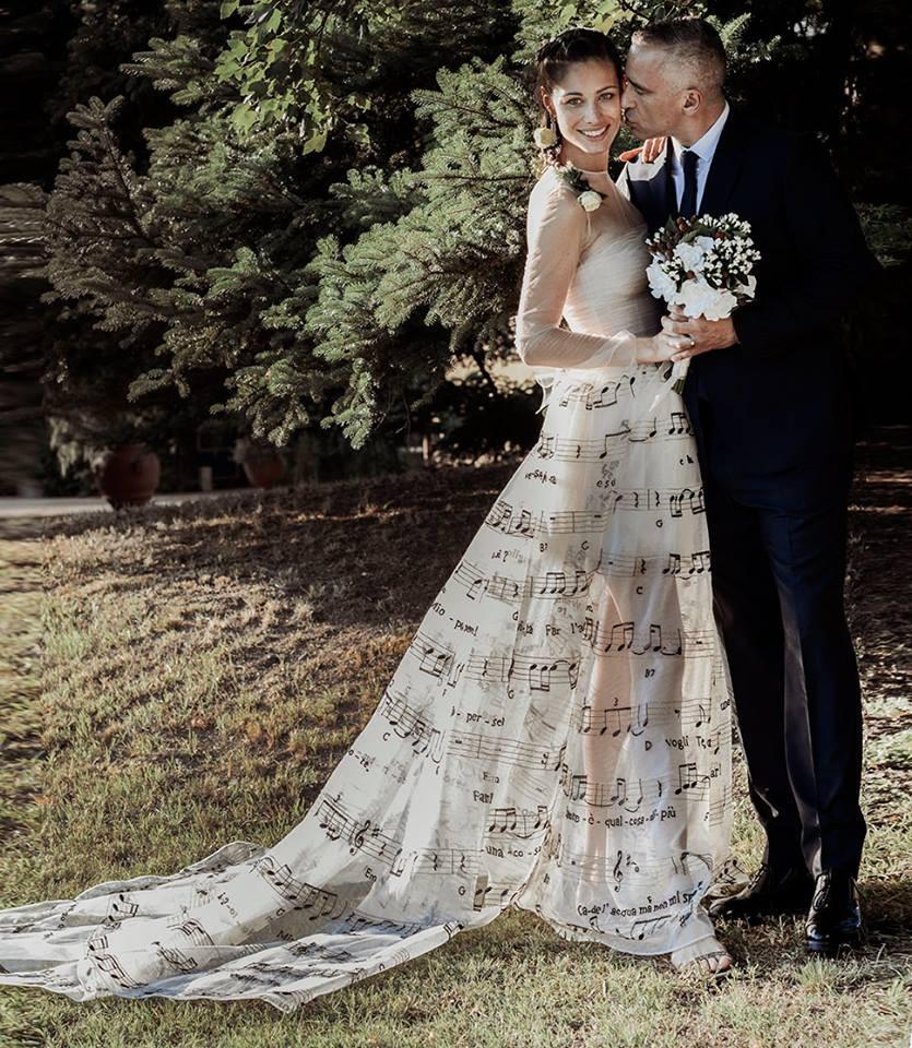 Svadba na hudobnú nôtu - svadobné šaty