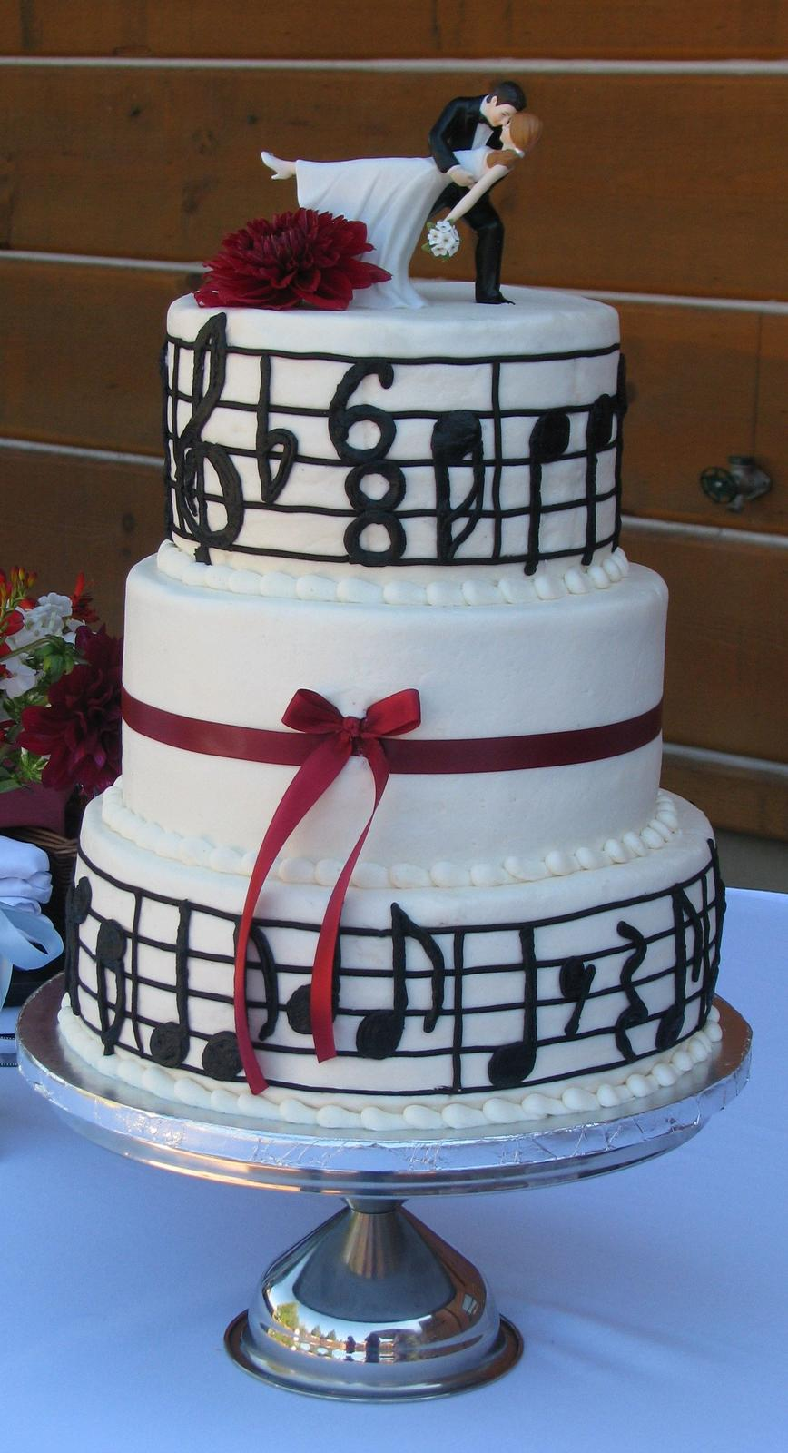 Svadba na hudobnú nôtu - svadobná torta