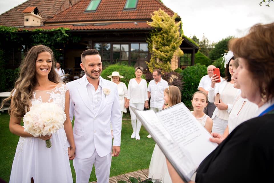 Svadba slávnych II - Spevák Robo Papp a Veronika